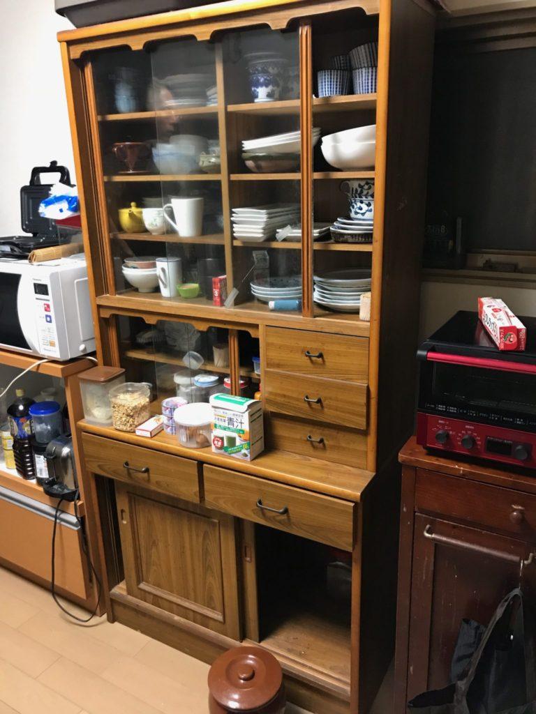 食器棚の不用品回収前