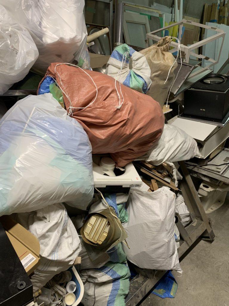 大阪市平野区 店舗・会社・倉庫・工場などの整理・不用品処分 法人様のお客様 4