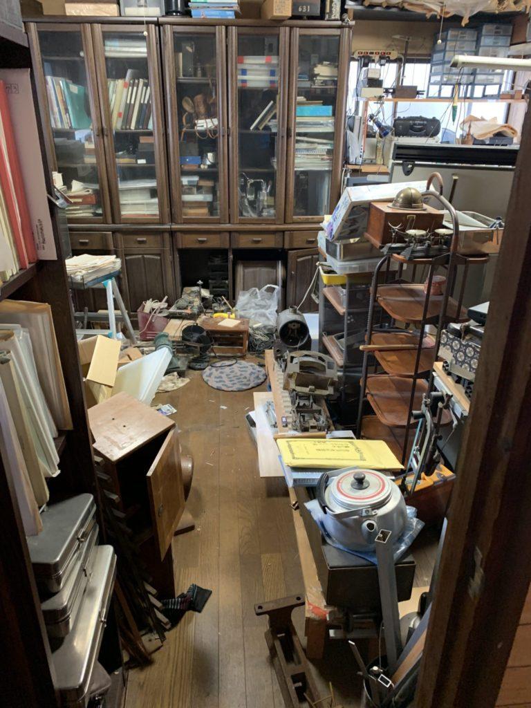 大阪府八尾市遺品整理大量の不用品処分前1