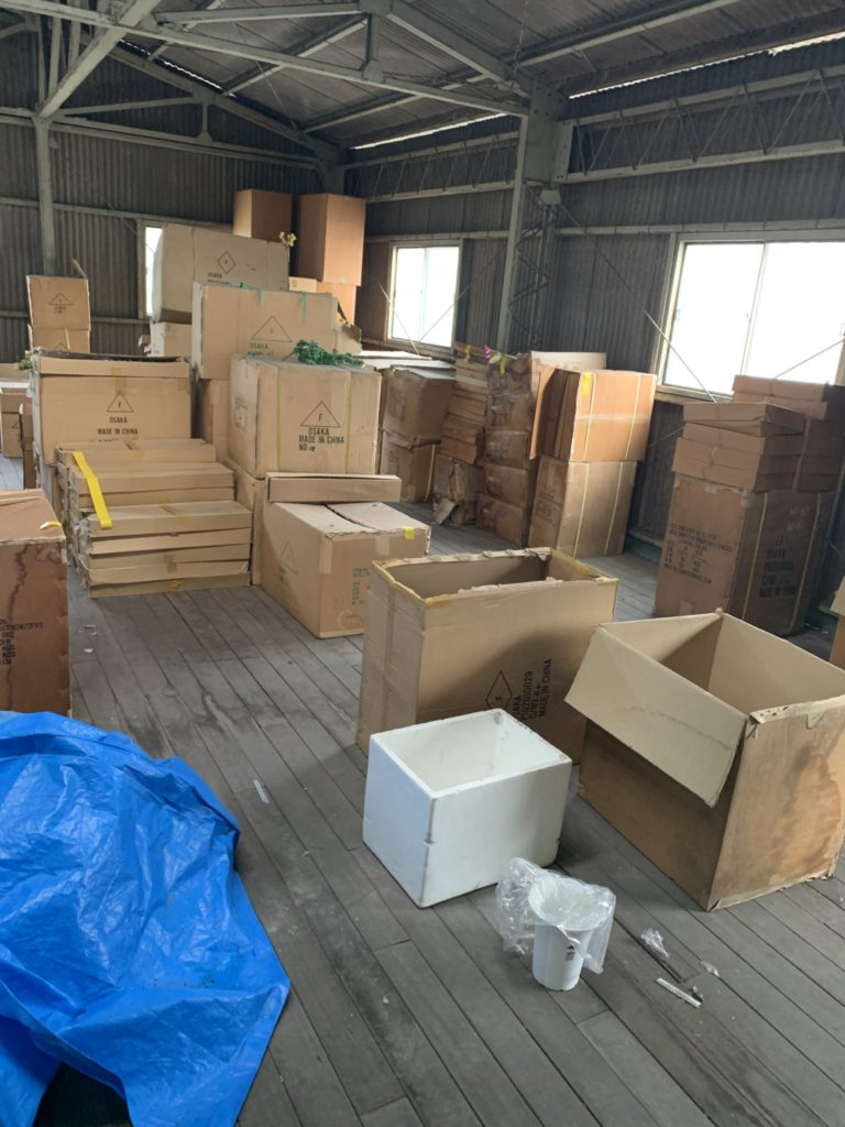 大阪府堺市の倉庫整理 大量の不用品処分前5
