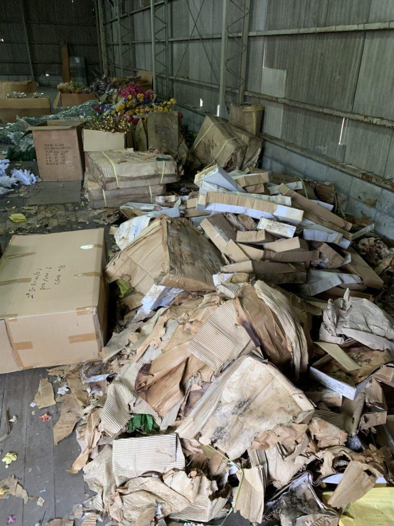 大阪府堺市の倉庫整理 大量の不用品処分前10