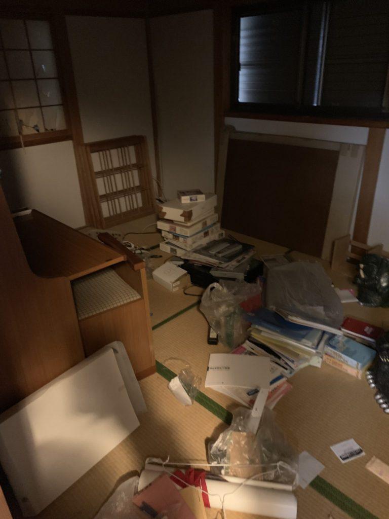 大阪府富田林市M様40台女性家一軒まるごと整理大量の不用品処分前6