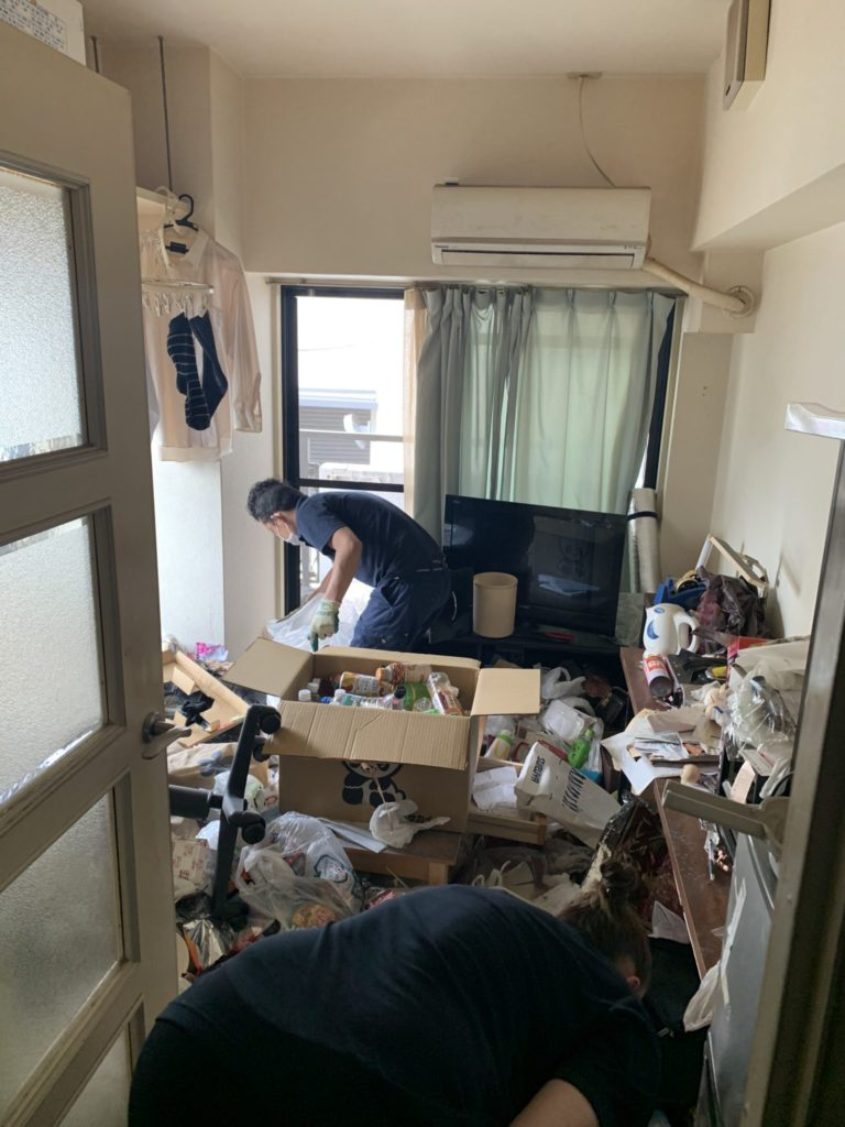 大阪市淀川区 60代 男性 汚部屋整理・大量の不用品回収前3