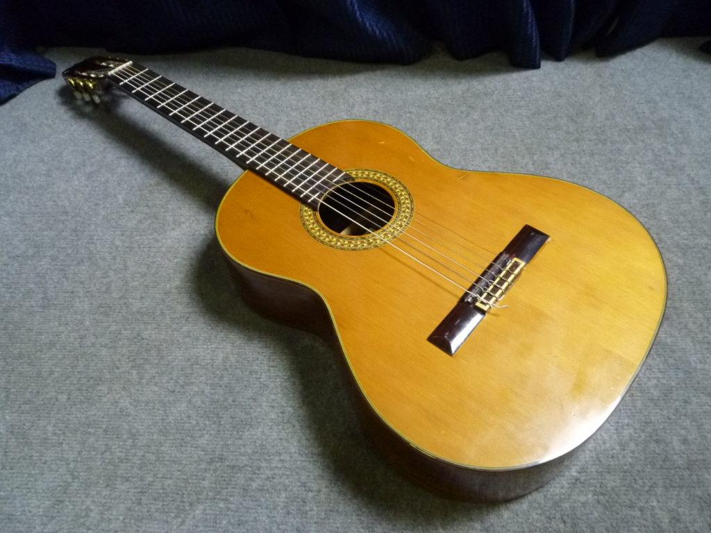 クリニーズによる大阪市福島区にて松岡良治のクラシックギターの不用品買取事例