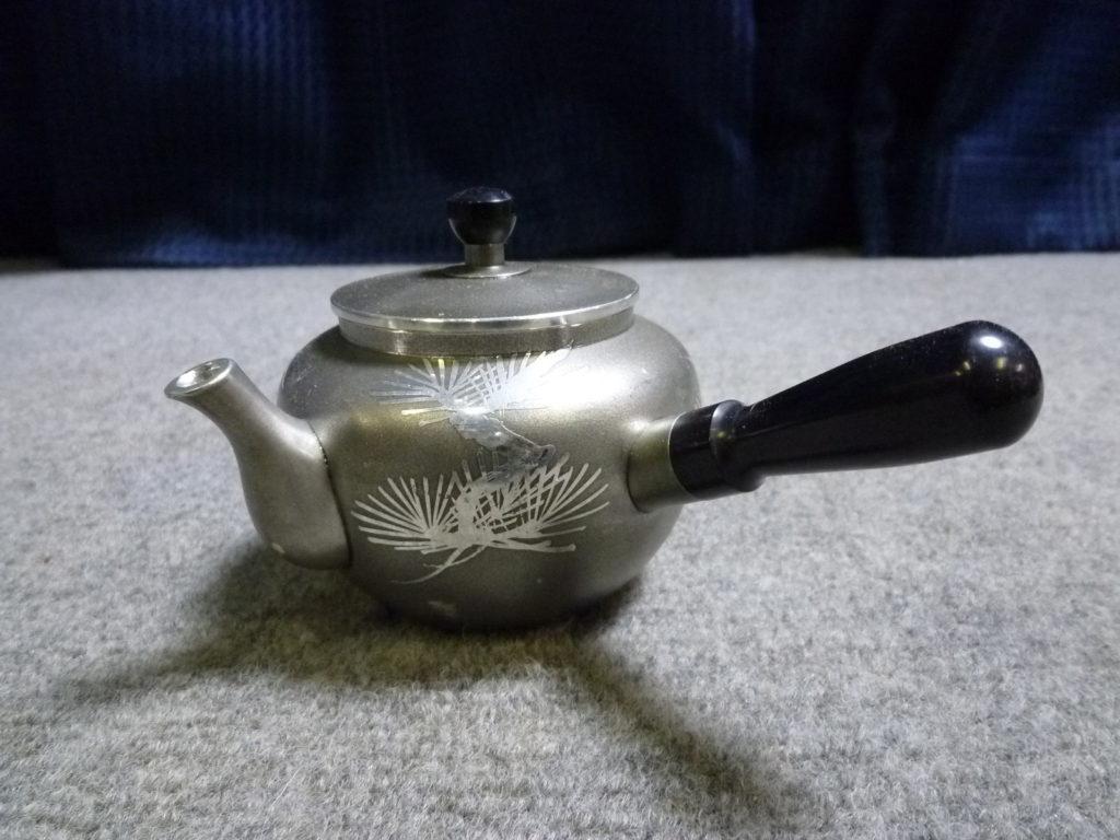 大阪市鶴見区にて茶道具の錫製急須を買取させて頂いたクリニーズの不用品買取事例