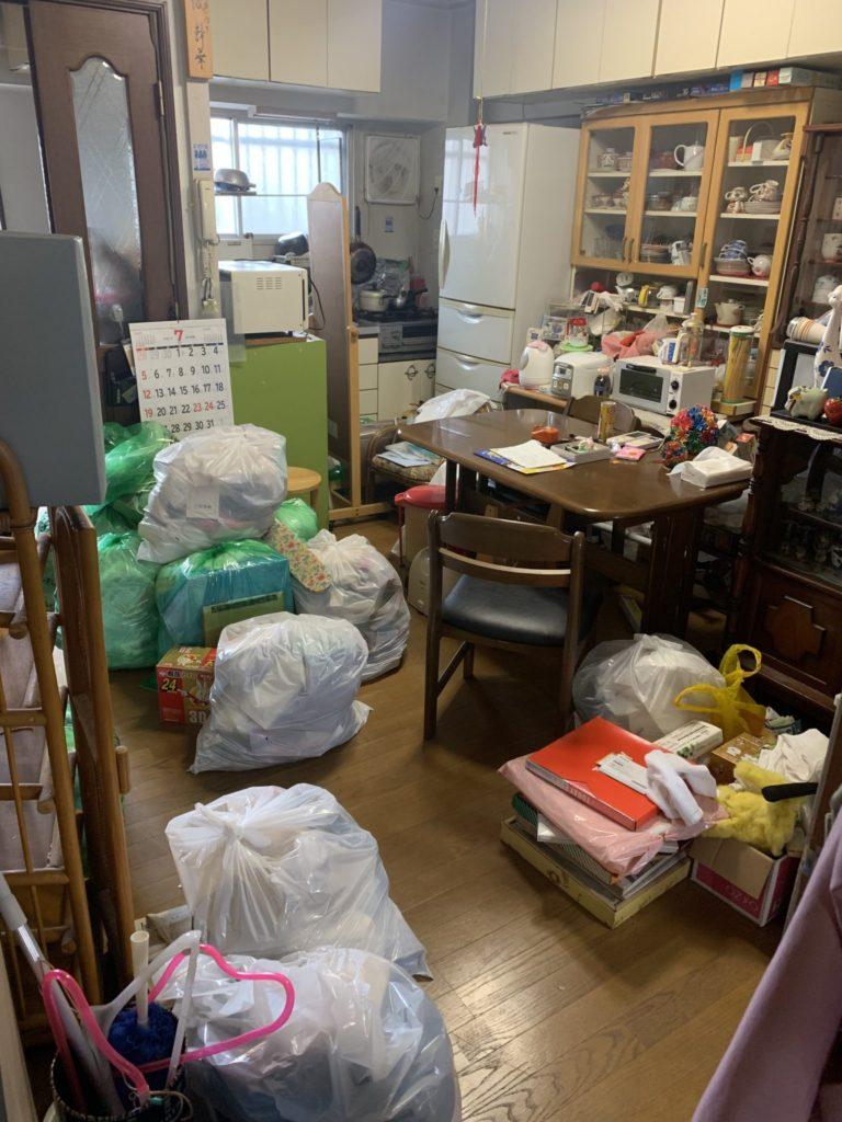 兵庫県尼崎市 I様 50代男性 生前整理 大量の不用品処分前4