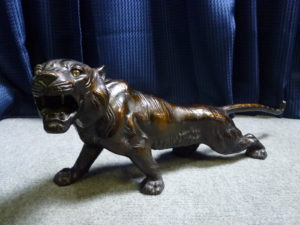 大阪府枚方市にて虎の置物を買取させて頂いたクリニーズの不用品買取事例