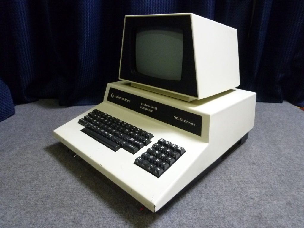 兵庫県芦屋市にてcommodore 3032 Seriesを買取させて頂いたクリニーズの不用品買取事例